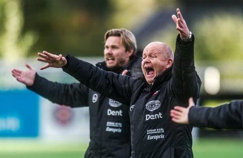 """ROLLEBYTTE: Per-Mathias Høgmo gir seg som hovedtrener i FFK. Bjørn """"Bummen"""" Johansen (bak) tar over."""