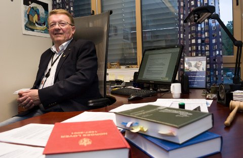 Tidligere ordfører Eivind N. Borge fronter forsøket på å presse frem et kutt på 19 millioner kroner i Hvaler kommunes utgifter neste år.  Dette er et alternativ til økt eiendomsskatt.