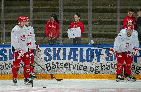 MS NESTE: Jonas Medby (fra venstre), Andreas Heier, Jørgen Langdalen, Sam Coatta og Stjernen har tapt de jevne kampene i februar - foruten Navik-kampen. Torsdag kommer MS til Stjernehallen. Bildet er tatt under oppvarming før kamp.