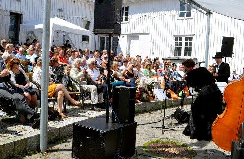 I AMFIET: Åsgårdstrand er sommer- og badeby. Og konsertsted, som Rådhusamfiet.