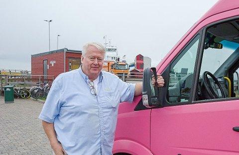 – BLODIG URETTFERDIG: Jan Stiansen, og flere andre i turbussnæringen, reagerer kraftig på det de mener er forskjellsbehandling i kompensasjonsordningen fra staten.