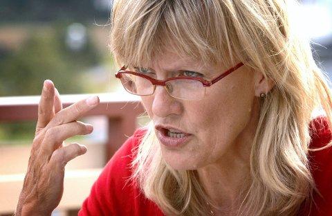 REAGERER: Karin Andersen er SVs innvandringspolitiske talskvinne. Hun reagerer kraftig på regjeringens forslag til innstramminger i asylpolitikken.