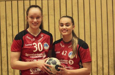 KNALLDEBUT: Birta Run Gretardsdottir (t.v.) og Sara Dögg Hjaltadottir leverte begge varene i åpningskampen mot Lunner.