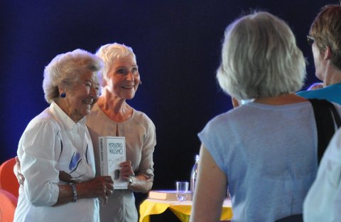 Jossi Lind (99) fikk møte sin yndlingsforfatter Herbjørg Wassmo under årets litteraturfestival.