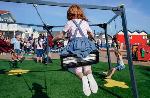 Det merkes i Lillehammer at familier har fått redusert inntekten sin etter koronapandemien, og søker om å få betale mindre i barnehagen.