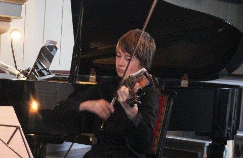 TALENT: Sigve Lieberg Stieng er et fiolintalent. Han er elev ved Hadeland kulturskole. Der lærer han også å spille trekkspill.