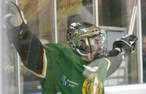 Jublet: Matti Kaipainen satte inn den avgjørende scoringen da Comet slo Sparta ut av sluttspillet.