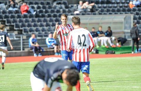Øystein Lundblad Næsheim satte inn to mål før det var gått ti minutter.