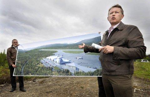 NETTOPP BEGYNT: PLUs Henrik Johansen har akkurat startet arbeidet med å skaffe lokale kroner til hauanprosjektet.