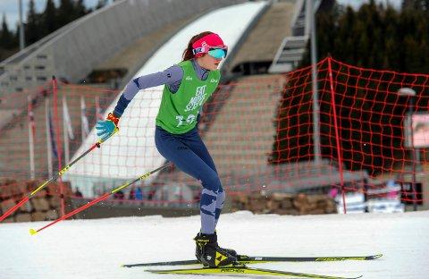 TOPPLØP: Maja Kristin Sørmo gjorde to toppløp i Kvalfossprinten i Holmenkollen. Mange løpere fra Hattfjelldal og Rana var med i landets største skiskytterrenn.