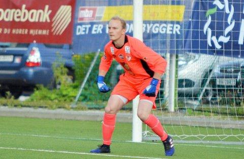 COMEBACK I MÅL: Eskil Petterson Larsen i mål for MIL i sesongen 2017. Bildet er fra kampen Mo IL - Mosjøen IL på Sagbakken.