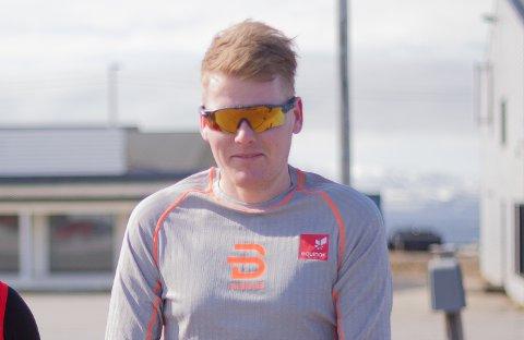 Jonas Sjøtun er tidligere fotballspiller. Nå springer han og ti andre i idrettslaget Hirmasti IL.
