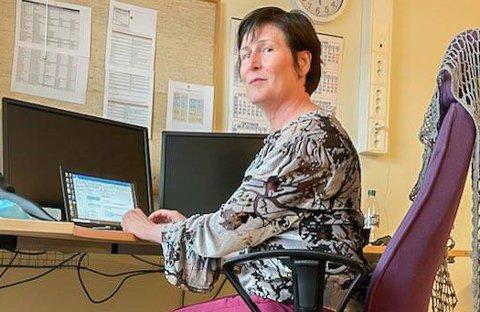HJELP: - Finnmarkssykehuset og Hammerfest kommune samarbeider godt. Folk er imponerende proffe, noe som gjør arbeidet lett, sier regional smittevernoverlege Anne Mette Asfeldt, som er i Hammerfest for å hjelpe til.