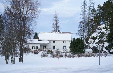 2.800.000: Randavegen 3 på Kjerknesvågen i Inderøy er solgt for kr 2.800.000 fra Karoline Stangvik og Lornts Øystein Tønne til Ida Sofie Kjølmoen og Mitchell Collins De Beurs.