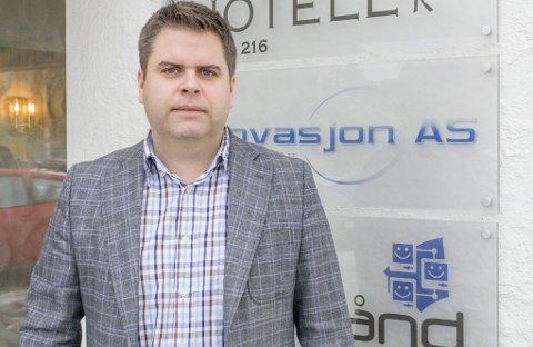 SKRINLAGT: – Vi har lukket fiberprosjektet i Rømskog, sier daglig leder Roar Olsen i Romerike Bredbånd. Begge foto: Øyvind Henningsen