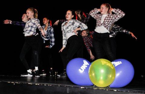 UNG KULTUR I ÅR OGSÅ: Split dansekompani var blant deltakerne på den kommunale UKM-mønstringen i Biorama i fjor. I år blir forestillingen digital, og påmelding er startet på nettsiden ukm.no/holmestrand.