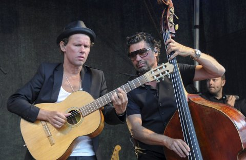 Gjensyn: Bo Kaspers Orkester kommer til Kragerø Live 23. juli. Her fra konserten på Skåtøy i august 2013. Foto: Per Eckholdt