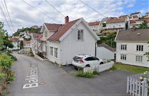 SOLGT: Bakkestubakken 8 er solgt for kr 2.720.000 fra Tina Dalene til John Knutsen og Renate Kristensen.
