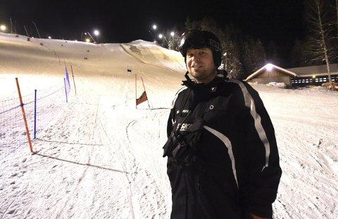 FØRSTE RENN PÅ 33 ÅR: Bård Lurås, som nå er trener i KIF-alpint, synes det er bra at Ormen Lange er tatt i bruk igjen til renn. – Dette gjør at vi slipper å dra til Ål for å trene.