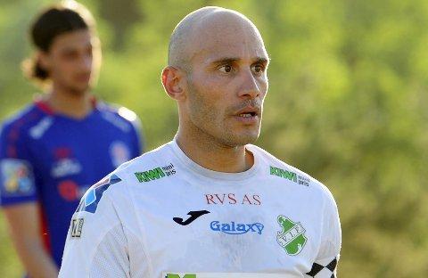 NY SJEKK: Hichem Bekkaoui skal på en ny sjekk hos fysio på tirsdag. Foto: Torgrim Gotland Bakke