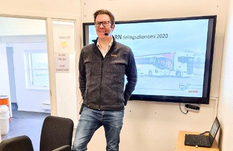 DIGITALE GAVE: På et digitalt møte med alle ansatte bladde daglig leder Geir Cato Kristiansen opp en bonus på 50.000 kroner til alle ansatte.