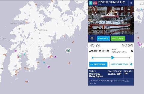 """Forsøkte å stoppe båten: Redningsskøyta """"Sundt Flyer"""", med to politibetjenter om bord, forsøkte å stanse båtføreren. Etter cirka tre timer ble det besluttet å avblåse aksjonen."""