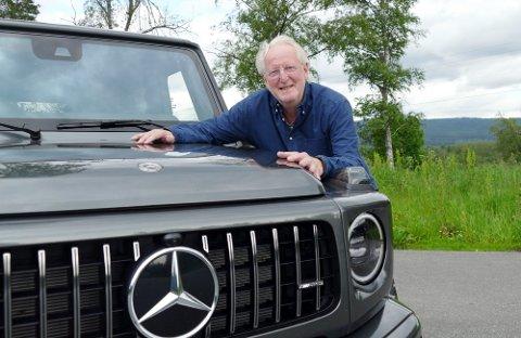 Eyvind Hellstrøm har gått til anskaffelse av en ny Mercedes G63 AMG. Den er utstyrt med AMG sin V8-er på 4 liter. Ut leverer den vanvittige 585 hk og 850 Nm.