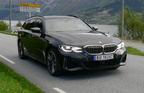 BMW M340d xDrive byr på solide kjøreegenskaper og imponerende krefter. Under panseret sitter en kruttsterk dieselmotor på 340 hk og hele 700 Nm.