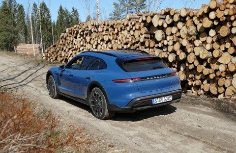 FULLTREFFER: Aldri har det vært mer «fornuftig» å kjøpe millionbil. Les testen av Porsche Taycan 4 Cross Turismo.