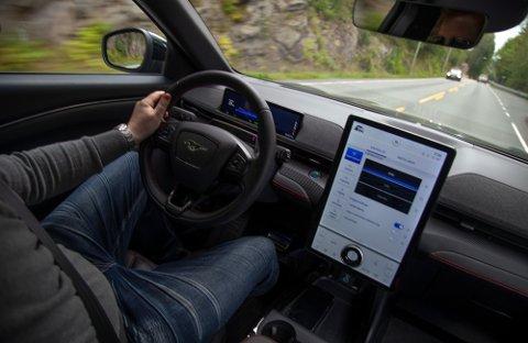 SVÆRT POPULÆR: Første store leveranse av elbilen Ford Mustang Mach-E kom til Norge i april. Siden har nesten 5.000 kunder fått bilene sine.