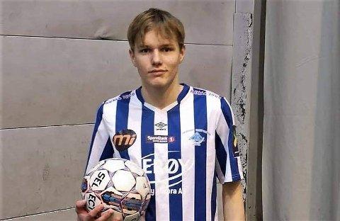 TALENT FRA NORD: Skjervøy-gutt og G15-landslagsspiller Mats Pedersen regner med å forlate hjemstedet om kort tid for å satse videre på fotballen.