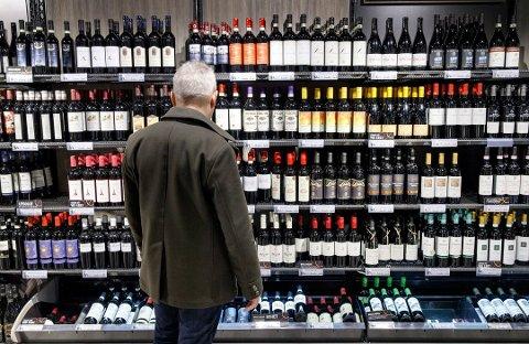 FUNGERER: Vinmonopolordningen fungerer etter hensikten, tror direktøren for Vinmonopolet. Illustrasjonsfoto: Gorm Kallestad / NTB scanpix
