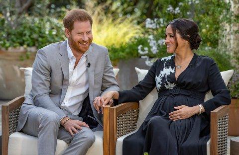 KRITIKK: Prins Harry og hertuginnen av Sussex, Meghan, snakker om at de venter en jente under mandagens intervju med Oprah Winfrey.