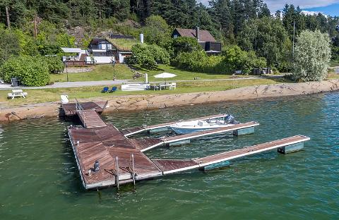 TIL SALGS: Denne strandeiendommen er til salgs på Vinterbro til 11 millioner kroner.