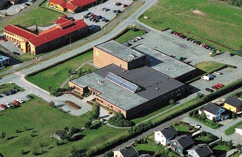 Fra 1988 til høsten 2003 holdt Østlands-Posten til i sitt store, spesialbygde avishus på Borgejordet.