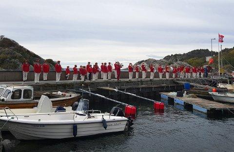 Tjodalyng Skolekorps fikk spilt åtte forskjellige steder i Tjølling på 17. mai.