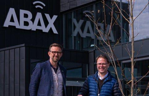 FRA HALVPARTEN TIL «ALLE»: Det blir ikke mange igjen i ABAX-bygget etter at påbudet trer i kraft, opplyser administrasjonssjef Bruce Atle Karlsen (t.v.), her sammen med administrerende direktør Morten Strand i forbindelse med en tidligere ØP-sak.