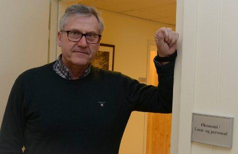 KREATIVITET: Kommunedirekør i Våler, Eyvind Alnæs,  er imponert av kreativiteten som blir vist nå.