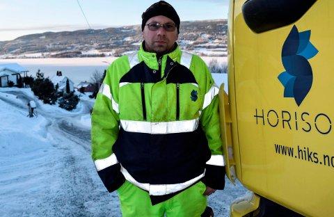 ERFAREN: Ole Vollhaug er en av Horisonts mest erfarne sjåfører. Noen ganger, som her i Fall, sier også han stopp av hensyn til egen og andres sikkerhet.