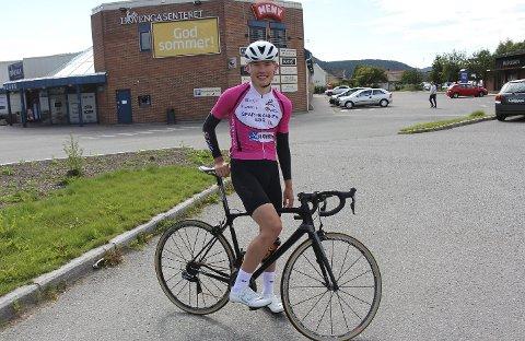 SATSER: Dennis Gråsvold satser for alvor på en karriere som proffsyklist. Nå håper han å bli plukket opp av et kontinental-lag etter gode prestasjoner i NM. Foto: Trym Isaksen