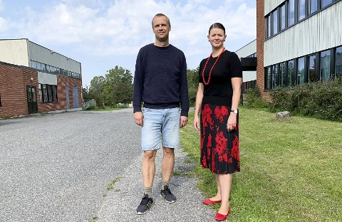 OPPUSSING: Anders Rambekk og Lillian Elise Esborg Liane vil pusse opp framfor å bygge nytt.