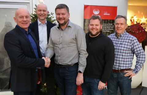 - Vi skal fortsette å bygge god infrastruktur på Helgeland, nå også sammen med Fri Sikt AS, sier Ole Johnny Johansen, adm. dir. i Signal Bredbånd AS.