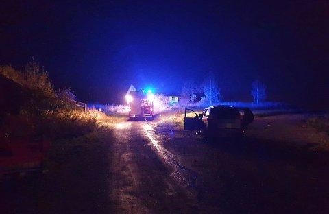 BILBRANN: Nødetatene rykket onsdag kveld ut til en bilbrann mellom Økelsrudkrysset og Gaupen.
