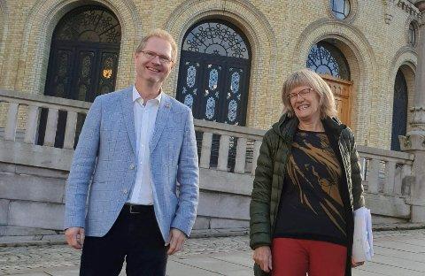 KJEMPER: Frp går tilbake, SV går fram. Tor Andre Johnsen og Karin Andersen kjemper for gjenvalg og sine politiske liv.