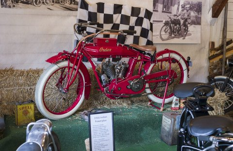 1916 Indian Powerplus: Eid av Eirik Bøhle, tidligere eid og kjørt racing med av Vidar Espe på 1920-tallet i Hønefoss.