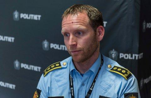 POLITIET: Politiinspektør Per Thomas Omholt bekrefter at en kvinne fra Ringerike er siktet for å ikke ha skaffet sitt barn nødvendig helsehjelp.