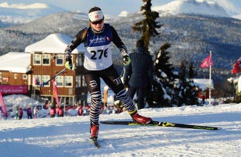 I GANG: Vera Flatland innledet årets langrennssesong på Gålå og Atrå-jenta har forhåpninger om at det skal være mulig å gå fort også denne vinteren.