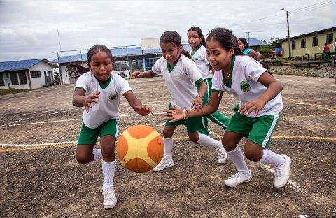 UTDANNING: Barn i Colombia er blant dem som får midler fra årets TV-aksjon til inntekt for Unicef.