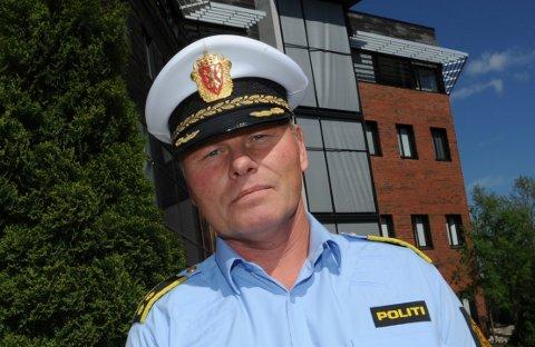 – LÅS OM NATTA: Politioverbetjent Geir Bakk Anthonsen sier ikke det er greit å ta seg inn på andres eiendom eller bolig, men oppfordrer samtidig eiere til å låse dørene for natta.