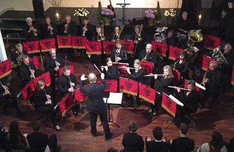 Musikk: Sande musikkorps er inne i et hektisk jubileiumsår med feiringer på rekke og rad. Søndag 29. oktober kan du se dem i Selvikhallen.